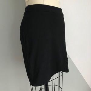 Aritzia Skirts - ⋒ Aritzia Talula Stretch Wrap Skirt — Size Medium